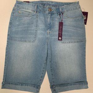 🦋 Gloria Vanderbilt Jean shorts size 10 NWT